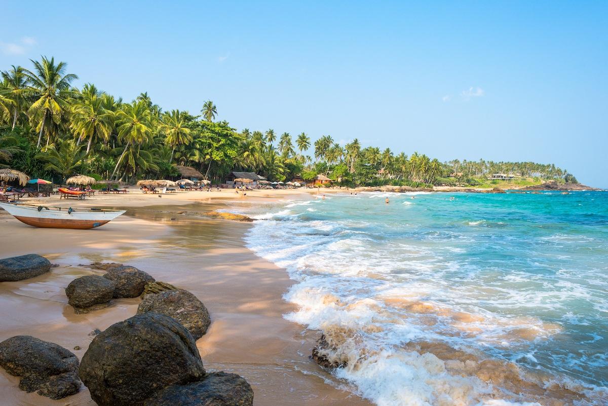 THE 20 BEST BEACHES IN SRI LANKA | Epic Beach Resorts & Hotels
